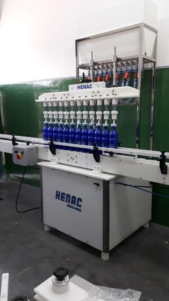 Máquina envasadora de líquidos